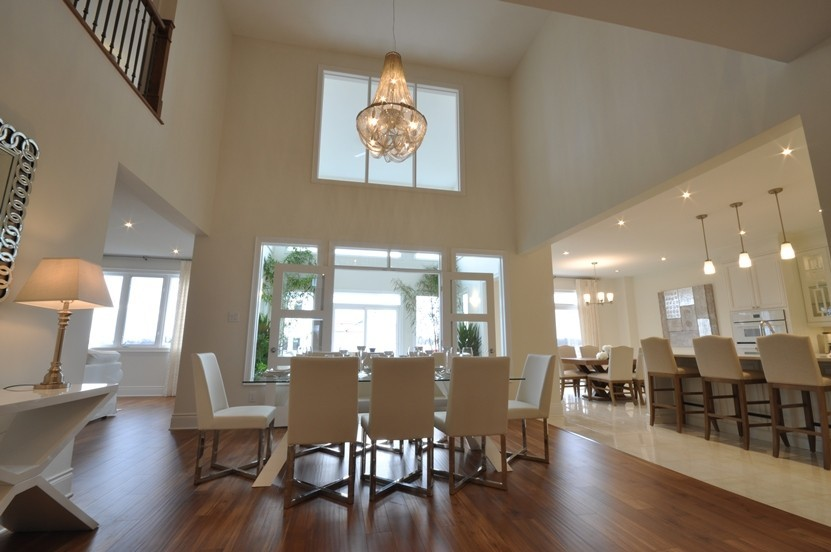 Fairmount dining room by Phoenix Homes