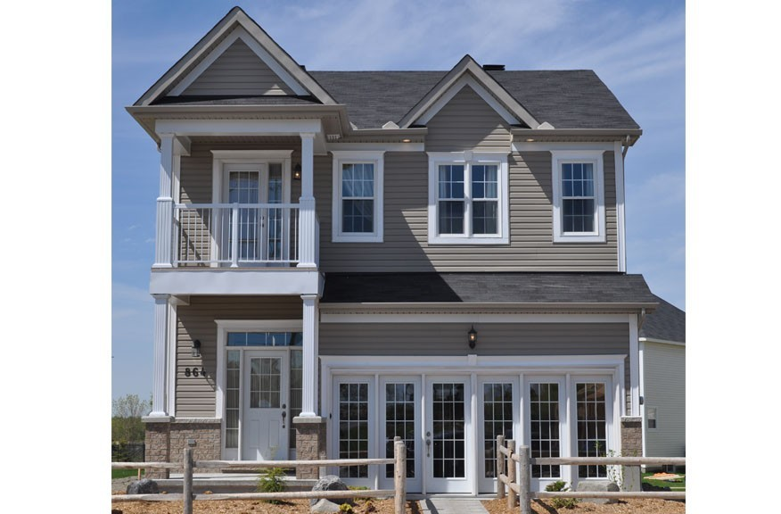 Front view of new home by Phoenix Homes