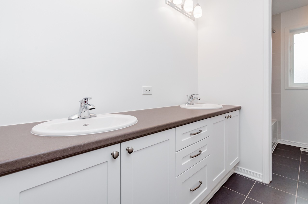 Winchester main bathroom area by Phoenix Homes