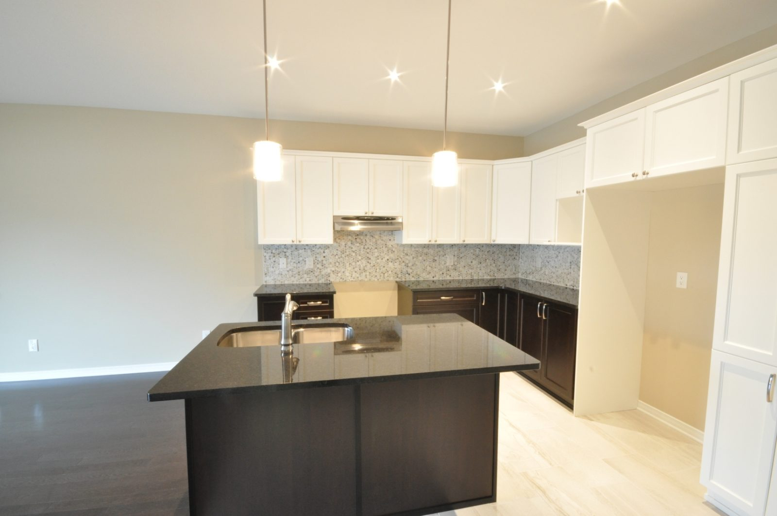 Irving Bungalow Features a Chef's Kitchen by Phoenix Homes