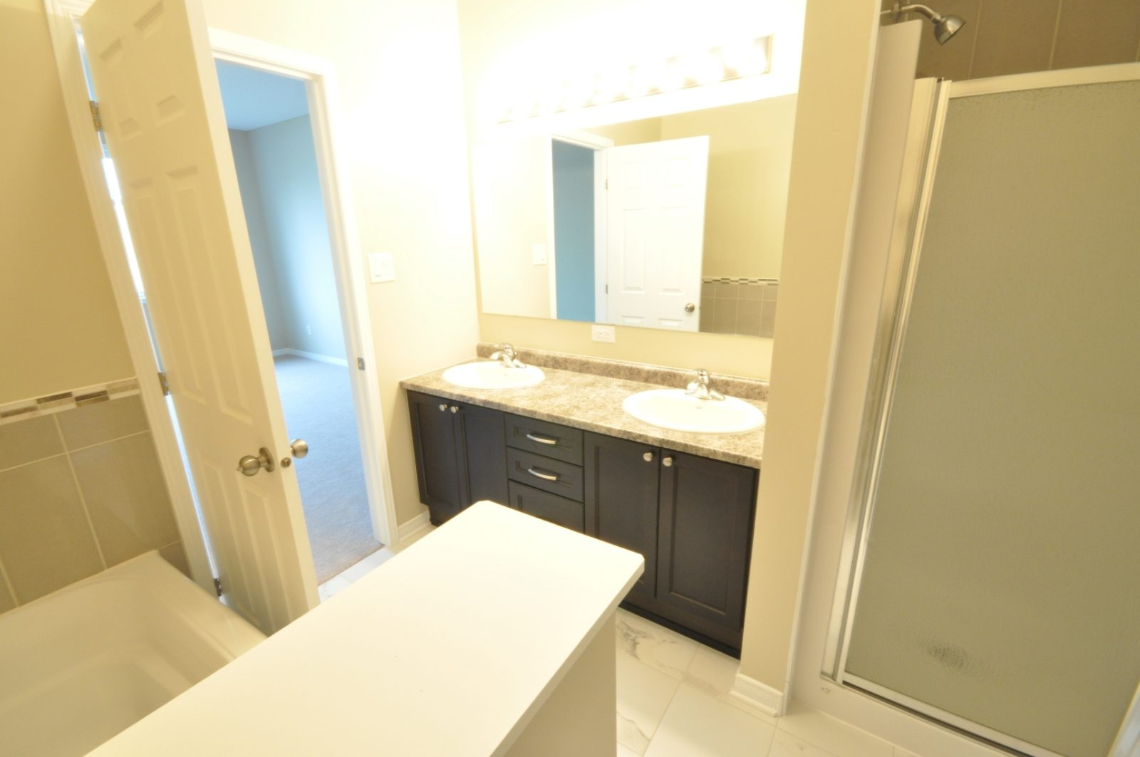 Irving Bungalow Luxurious Bath with a Separate Shower