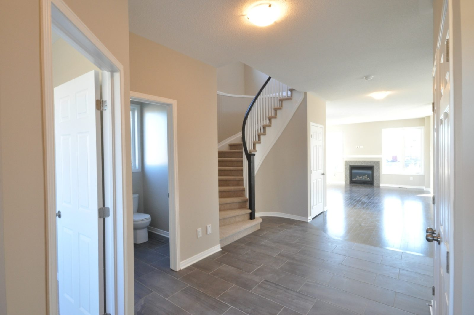 Front Hall Saratoga by Phoenix Homes