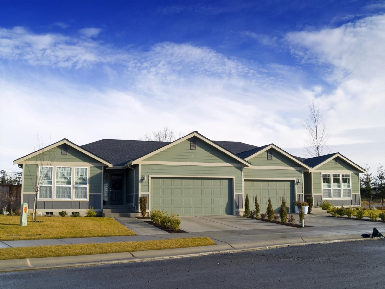 difference between semi-detached homes and townhomes