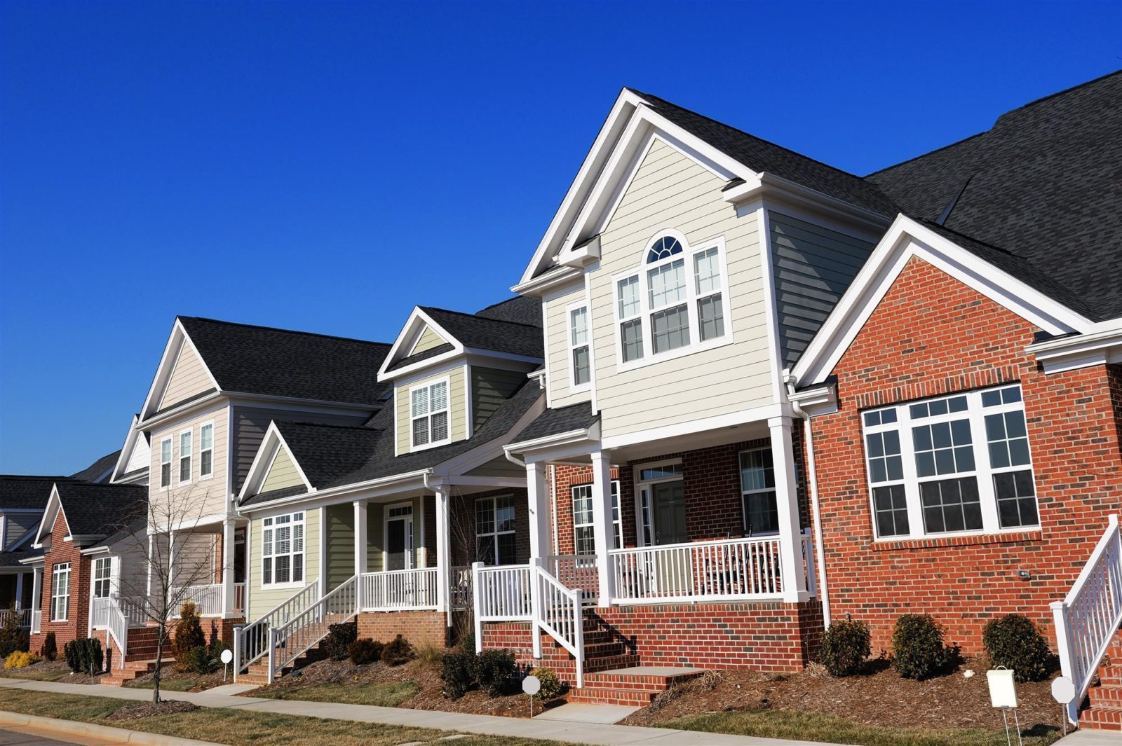the difference between semi-detached homes and townhomes