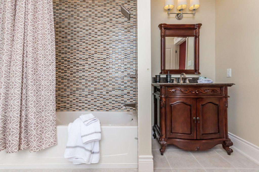 Platina Bathroom
