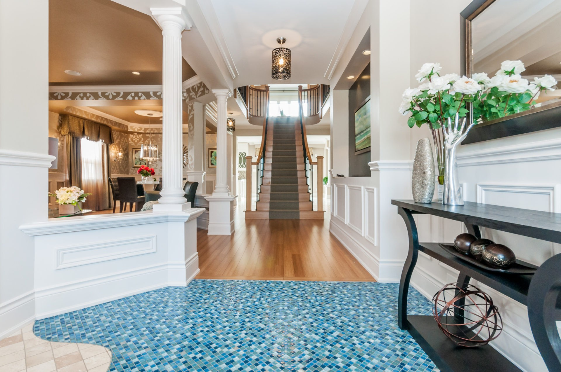 Platinafront view for foyer by Phoenix Homes