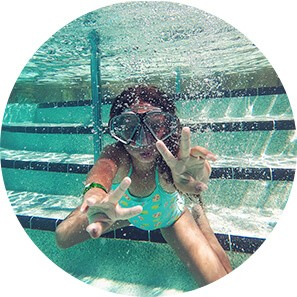 underwater peace sign circle